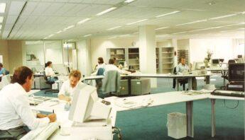 De redactiezaal van de PZC aan de Oost-Souburgseweg.
